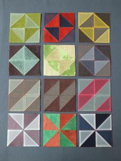 ウォンミ リーのポジャギな日々  ポジャギのデザインは三角ピースをもとに、いろいろな色、様々な素材の 韓布をつかって、いろんなパターンのコースターを手縫いで作っています。 吊るす糸を角につければ、オーナメントとしても使えます。
