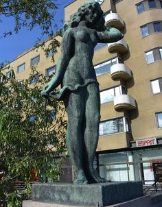 Suomen neito by Wäinö Aaltonen, 1929. Big Town, Examples Of Art, Art Nouveau Architecture, Under Construction, Finland, Statues, Two By Two, City, Sculpture