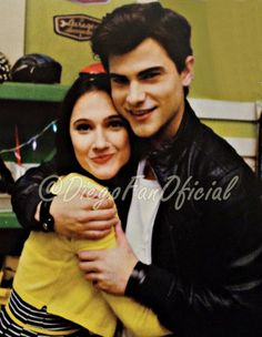 Aww! #Diecesca❤️ #LODOTEEXTRAÑO!!❤️❤️ @TiniStoesel❤️