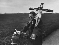JINDRICH STREIT | Jindřich Štreit: Z cyklu Brána naděje, Pňovice, 1998
