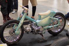 Some interesting Honda bikes from the latest edition of the Yokohama Hot Rod & Custom show. Honda Cub, C90 Honda, Motos Honda, Honda Cycles, Honda Bikes, Honda Motorcycles, Scooter Custom, Custom Bikes, Vespa Moped