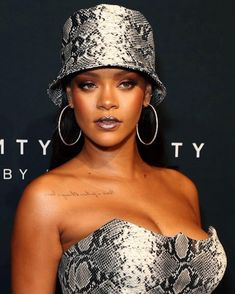 Rihanna Photos - Rihanna attends the Fenty Beauty by Rihanna Anniversary Event on October 2018 in Sydney, Australia. - Fenty Beauty By Rihanna Anniversary Event - Arrivals Rihanna Baby, Rihanna Looks, Rihanna Photos, Beauty First, Bad Gal, Rihanna Fenty, Black Girls Hairstyles, Celebs, Celebrities