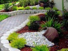 Solo debes colocar de lado un recipiente grande como una maceta, un barril o una tina de zink para crear una bella decoración de jardín que ...