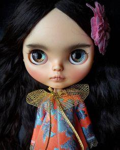 Beauty !!!! . . . . . . . . . .#blythe #blythedoll #blythecustom #customblythe #tiinacustom #lounginglinda #kawaii #beautiful #awesome #cute #doll #dollgram #blythecon #fashion #model #eyes #picoftheday #instalove #dollphotography #toy #toyphotography #ブライス #ブライスドール #ケナーブライス #人形