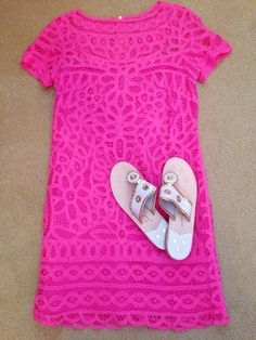 There is 0 tip to buy dress, hot pink lace shift dress. Help by posting a tip if you know where to get one of these clothes. Preppy Style, Style Me, Vestidos Neon, Moda Fashion, Womens Fashion, Estilo Preppy, Summer Outfits, Cute Outfits, Summer Clothes
