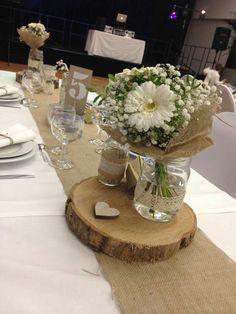 Table mariage toile de jute dentelle