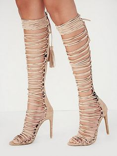 This summer the high heel of Gladiator Sandals is perfect good for you. Beige Strappy Knee High Heeled Gladiator Sandals Shoes, Yes or No?