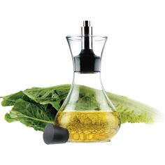 Fill your Eva Solo dressing shaker with salad dressing, oil or vinegar and enjoy! The litre, drip-free dressing shaker comes with a tightly fitting top which retains the taste and aroma of the dressing, The glass is dishwasher-proof. Fridge Storage, Mad About The House, Heat Resistant Glass, Kitchenware, Tableware, Popcorn Recipes, Kitchen Essentials, Salad Dressing, Recipes