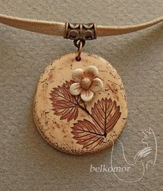 http://www.ljplus.ru/img4/k/e/keburga/lvs_straw2.jpg - Clay flower pendant by belkomor