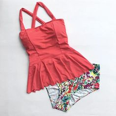 Cupshe Dasiy Does It High-waisted Falbala Bikini Set