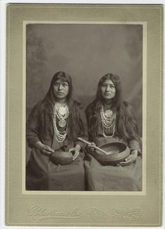 Two Creek women in Muskogee after making the trip along the Trail of Tears. Notice the photographer's embossing at the bottom of the frame which denotes Muskogee, Indian Territory before Oklahoma's statehood. The woman on the right is Ella Monohwee. Native American Beauty, Native American Photos, Native American Tribes, Native American History, Cherokees, Trail Of Tears, Native Indian, Images, Cree Indians