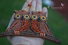 Papel Quilling búhos sobre una rama en una por NavankaCreations