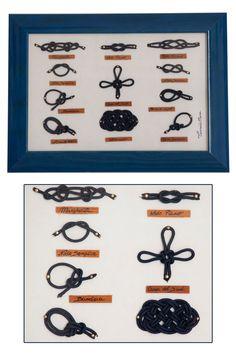 €42,00 su www.misshobby.com. Quadro con nodi marinari fatti a mano, in corda blu su vellutino bianco e cornice in legno blu, lucida. Arredamento da parete classico e allo stesso tempo elegante.