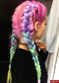 Light Pastel Rainbow Hair Inspiration For Summer As though colorful beams of light were caressing your hair, this pastel rainbow trend will add plenty of glam to your summer look. Cotton Candy Hair, Coloured Hair, Colored Braids, Dye My Hair, Dip Dye Hair, Grunge Hair, Mermaid Hair, Pretty Hairstyles, Rainbow Hairstyles