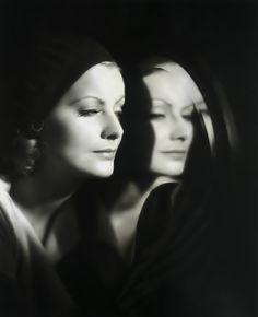 """Greta Garbo en """"El Beso"""" (The Kiss), 1929"""