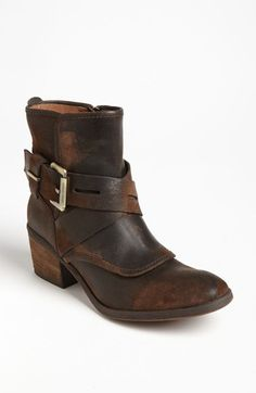 If I could have ONE pair of rustic short boots.... THIS would be IT!  Love the unique details and Donald J never does me wrong in the comfort dept.  My most comfortable shoes have always been Donald J shoes.  These are awesome-ness!