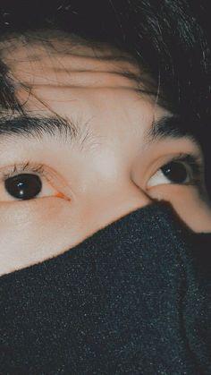 Korean Boys Ulzzang, Cute Korean Boys, Hand Pictures, Boy Pictures, Boy Images, Cute Boys Images, Relationship Goals Pictures, Cute Relationships, Teen Photography Poses