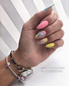 Try some of these designs and give your nails a quick makeover, gallery of unique nail art designs for any season. The best images and creative ideas for your nails. Nail Designs Spring, Cool Nail Designs, Spring Nails, Summer Nails, Cute Nails, Pretty Nails, Latest Nail Art, Nail Decorations, Stylish Nails