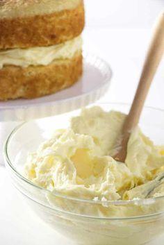 Vanilla Cake Filling Creamy vanilla filling for a cake. Cake filling that tastes like vanilla mousse cheesecake.Creamy vanilla filling for a cake. Cake filling that tastes like vanilla mousse cheesecake. Dessert Simple, Frosting Recipes, Cake Recipes, Dessert Recipes, Cake Cream Filling, Custard Cake Filling, Vanilla Mousse Cake Filling Recipe, Costco Cake Filling Recipe, Cupcake Filling Recipes