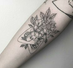 Lieben Sie den Blattstil auf diesem – Krystel Turlet Love the leaf style on this – Krystel Turlet – – Love the leaf style on this – Krystel Turlet Mini Tattoos, Head Tattoos, Flower Tattoos, Body Art Tattoos, Small Tattoos, Sleeve Tattoos, Tatoos, Tattoo Avant Bras, Tattoos Realistic