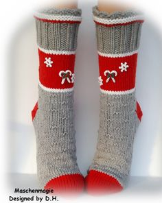 Kuschelsocken Größe 40/41 von Maschenmagie auf Etsy Foot Warmers, Knitting Socks, Christmas Stockings, Slippers, Etsy, Sewing, Holiday Decor, Crochet, Auntie
