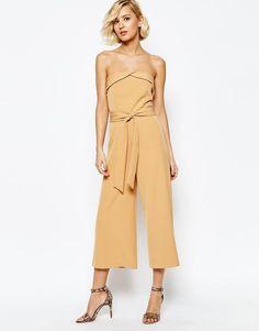 Lavish Alice | Mono largo palabra de honor con estilo falda pantalón y lazo en la cintura de Lavish Alice en ASOS