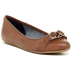 Dr. Scholl's Rianna Flat ($30) ❤ liked on Polyvore featuring shoes, flats, dksaddle, pointy toe shoes, slip on flats, pointy-toe flats, buckle shoes and pull on shoes