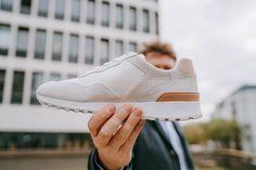 """Le Modèle Hayden de chez Clae en """"White Grey Suede"""" nous offre un côté néo-rétro-épuré-sport-chic qu'on saura assortir facilement avec nos tenues !   #sneakerpimps #sneakerheads #sneakergame #sneaker #sneakeraddict #sneakerporn #sneakerheat #sneakerthailand #sneakerbardetroit #sneakerfiles #sneakerlove #sneakerfreaker #sneakershop #sneakerfreakerfam #sneakerart #sneakerspics #sneakershouts #sneakernews #sneakergram #sneakerlife #sneakersmurah #sneakers #sneakerness #sneakergallery…"""
