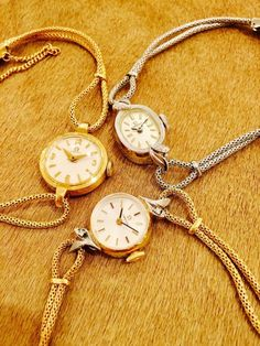 HIROB新丸ビルAntique OMEGA 新入荷華奢なAntique Watchで女性らしさUp