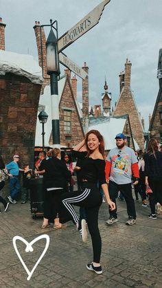 again ik this isn't disneyland Disney World Vacation, Disney Trips, Cute Photos, Cute Pictures, Disney Poses, Universal Studios, Universal Resort, Universal Hollywood, Disney Outfits