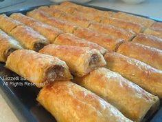 Kol böreği yapmaktan korkmayın....  Hazır baklavalık yufkalar bizim yardımcımız olmuş durumda.  Dikkat, dikkat...  Baklavalık yufkaları al...