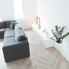 Living room with Ikea Besta cupboard and herringbone floor. Best Interior, Home Interior Design, Living Room Interior, Interior Inspiration, Diy Home Decor, New Homes, Parquet Flooring, Interiors, Anime Art
