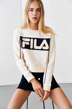 FILA + UO Colorblock Sweatshirt Lightweight Sweatshirt White Pink l Street Style Fashion Outfits Sport Fashion, Look Fashion, Fashion Outfits, Womens Fashion, Fashion Trends, Fashion Ideas, Fila Outfit, How To Wear Hoodies, Looks Style