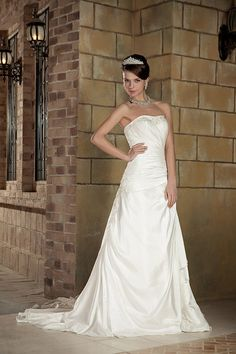 A-line Strapless Stretch Satin Court Train Pleated Wedding Dress