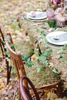 Enchanted forest wedding theme decorations - fabmood.com #fairytalewedding #forestwedding
