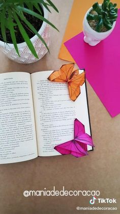 Cool Paper Crafts, Paper Crafts Origami, Easy Diy Crafts, Crafts For Kids, Arts And Crafts, Oragami, Origami Lotus Flower, Bookmark Craft, 233
