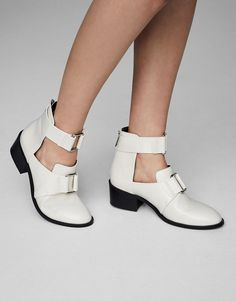 White fashion ankle boots - Shoes - New - Woman - PULL&BEAR Indonesia