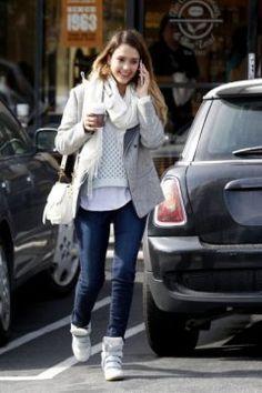 Jessica Alba  Coffee Bean February 8 2013