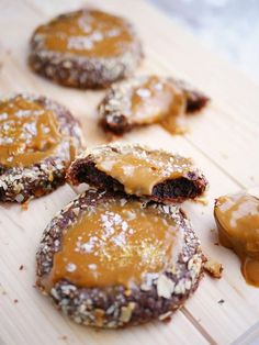 Bake your favorite treats with our many sweet recipes and baking ideas for desserts, cupcakes, breakfast and more at Cooking Channel. Baking Recipes, Snack Recipes, Dessert Recipes, Snacks, Bagan, Cookie Desserts, Love Food, Sweet Recipes, Sweet Tooth