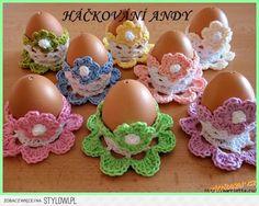 Szydełkowe stojaczki do jajek