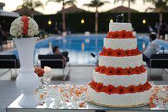 Gli allestimenti, le scenografie.  I colori e la wedding cake.  Prenota la tua consulenza con la wedding planner  presso l'esclusiva boutique Amatelier.  www.amatelier.com  www.buccellaassociati.it  T 08281992372