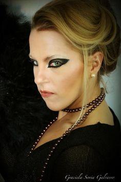 Diseño de maquillaje forman la plantilla***** Layout Make up Vorlage schminken Pearl Necklace, Chokers, Make Up, Pearls, Jewelry, Fashion, Makeup Designs, Template, Submission