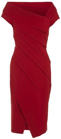 Donna Karan New York Sculpted Dress.this might be the perfect red dress. Fashion Mode, Look Fashion, Womens Fashion, Fashion Design, Fashion News, Latest Fashion, Mode Outfits, Donna Karan, Mode Style