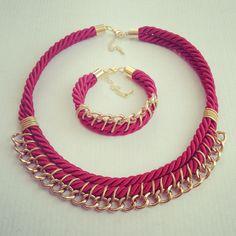 Diseño y creación artesanal de accesorios de moda. #necklace #bracelet #handmade #hechoamano #accesorios #complementos www.matraquilla.com