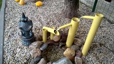 Made of plastic waste and heating pipes. I did not get a bamboo pole. Inspired by the movie Kill Bill Diy Water Feature, Backyard Water Feature, Ponds Backyard, Backyard Ideas, Small Water Features, Outdoor Water Features, Water Features In The Garden, Fountains For Sale, Diy Garden Fountains