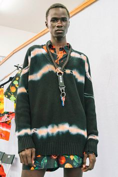 Tie Dye invade a Moda Masculina Urban Fashion, Diy Fashion, Fashion Outfits, Womens Fashion, Fashion Design, How To Tie Dye, How To Dye Fabric, Tie Dye Fashion, Milan Fashion Weeks