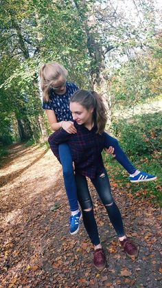 #sister #sisters #sisterlove #fall #autumn Kid Sister, Sister Love, Videos Photos, Videos Tumblr, Bff Pictures, Poses, Cute Kids, Passion For Fashion, Mango