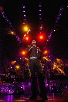 AGOSTO: Pepe tiene dos presentaciones en el Gibson Amphitheatre de Los Angeles - Sold out!