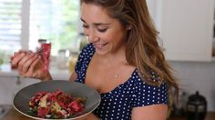 Beetroot pasta with crispy pancetta and sweet pear recipe from Michella Chiappa's Simply Italian programme on Channel 4 Pear Recipes, Italian Recipes, Healthy Treats, Healthy Eating, Healthy Dinners, Gorgonzola Sauce, Pear Sauce, Pancetta Pasta, Food Pictures