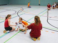 Erlebnisreiche Rollbrettspiele Workshop, School Sports, Primary School, Basketball Court, Teacher, Physical Education Lessons, Game Ideas, Studying, Atelier